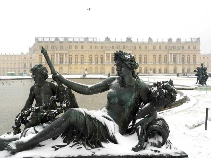 The Chateau de Versailles under snow is pictured, during a heavy snow storm on France. (AFP)