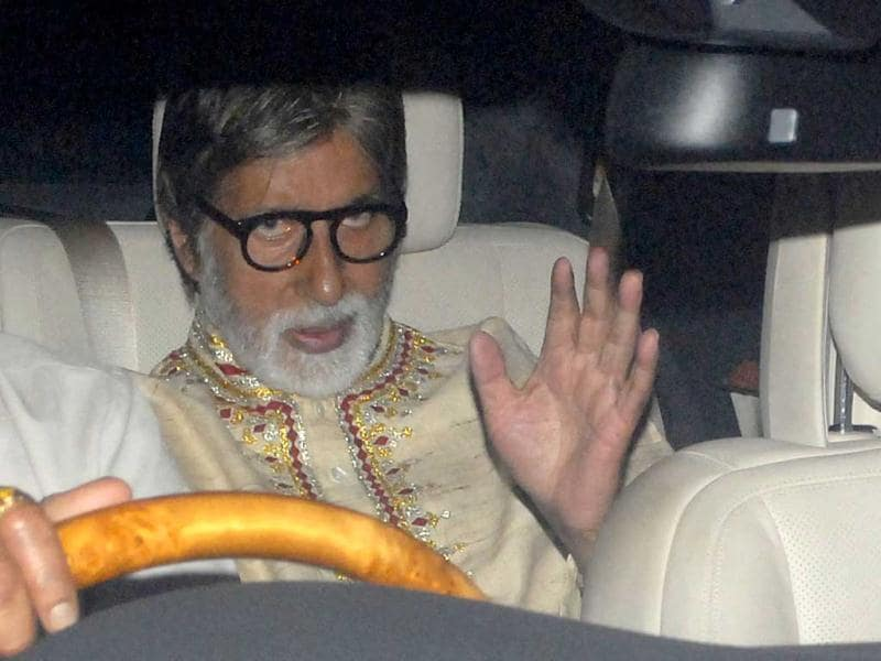 Amitabh Bachchan heads for the after-party held in honour of Spielberg. Amitabh, who had anchored Spielberg's interaction with filmmakers, was the first one to walk into the party with his wife Jaya, and daughter-in-law Aishwarya Rai in tow. (HT Photo by Prodip Guha)
