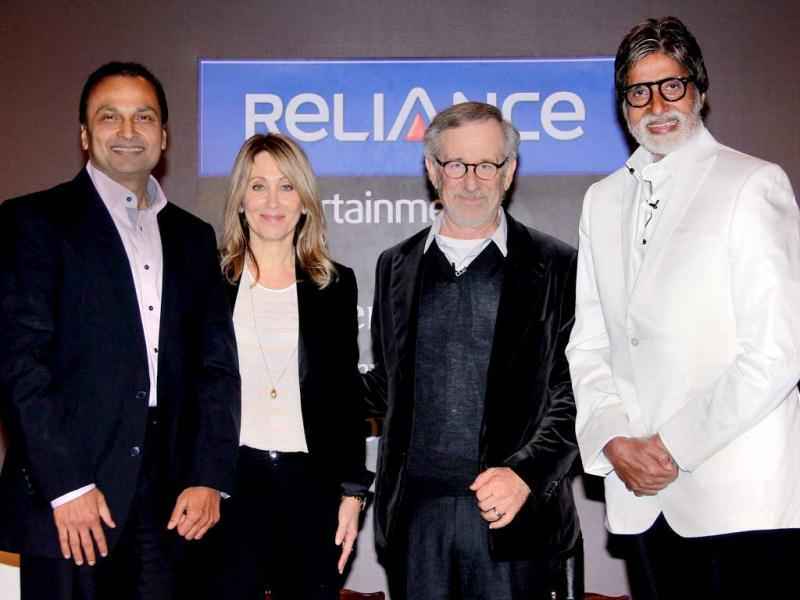 US Hollywood film director Steven Spielberg (2R) poses with Indian Bollywood film actor Amitabh Bachchan (R) and Indian chairman of Reliance Entertainment, Anil Ambani (L) along with Stacey Snider, co-chairman and CEO of DreamWorks (2nd from L) during his meeting with Bollywood filmmakers in Mumbai on March 11, 2013. (AFP PHOTO)