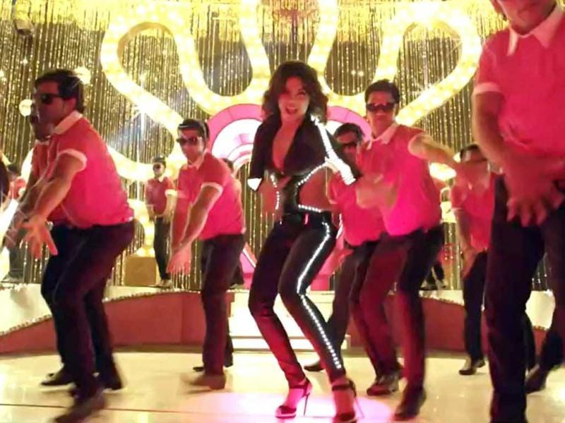Priyanka Chopra has done a typical cabre number here.