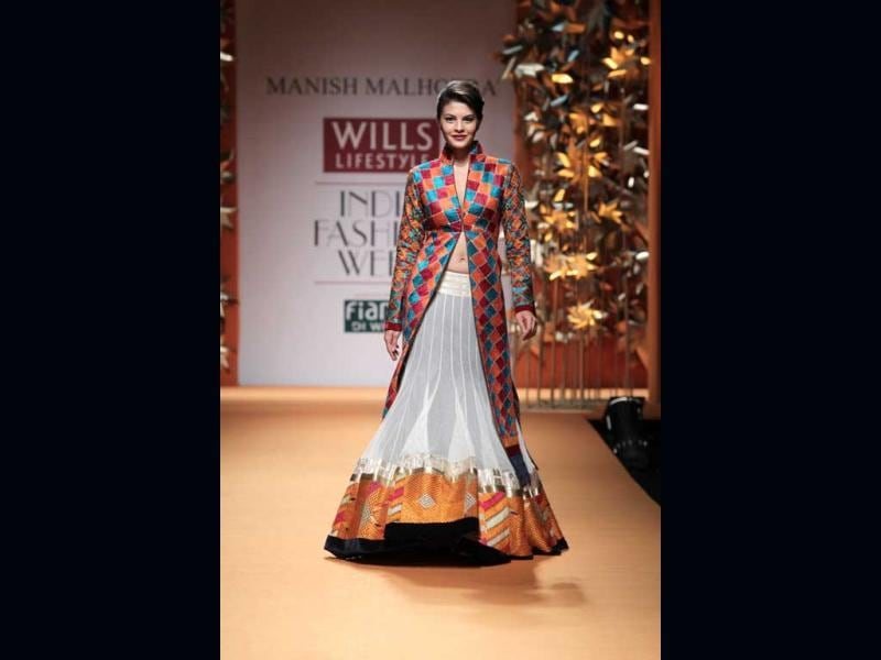 Jacqueline Fernandez walks the ramp for Manish Malhotra at WIFW, New Delhi on March 15, 2013.