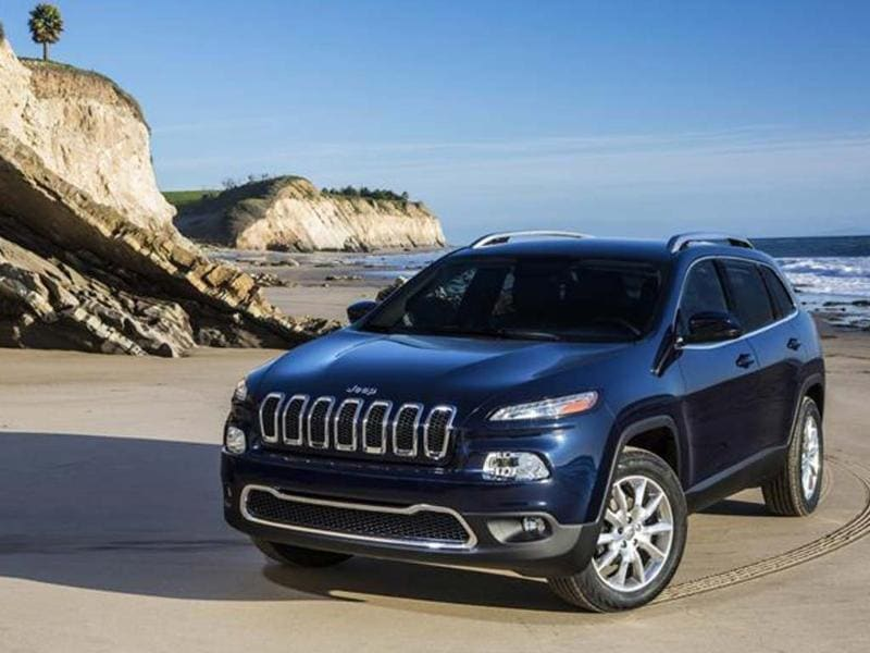 Jeep will showcase the new Cherokee at the New York Show. It is the the first Jeep-branded product to be created from the ground up by the Fiat-Chrysler alliance