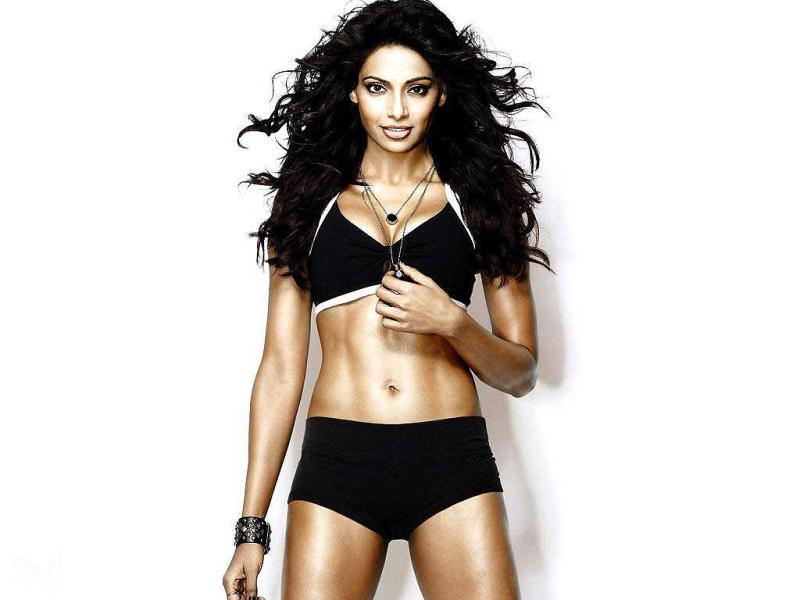 After Dhoom 2 and Players, fitness freak Bipasha Basu has now become a pro at showing off her bikini bod.