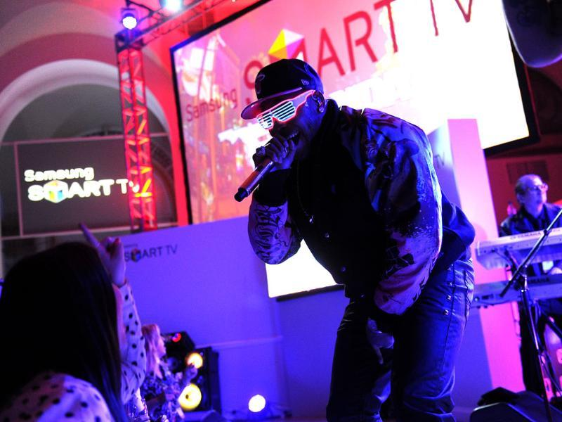 Hip-hop artist Flo Rida performs at a launch event for the new line of 2013 Samsung Smart TVs, Wednesday, March 20, 2013, in New York. Photo: Diane Bondareff/Invision for Samsung/AP Images