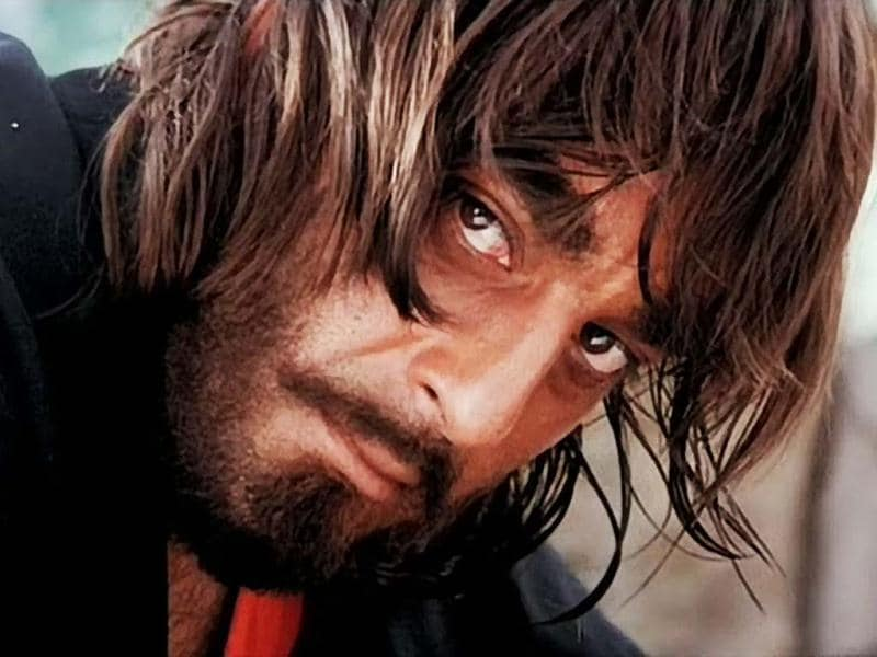 Struggling through his personal turmoils, Sanjay Dutt continued to rock the silver screen with films like Sadak, Khalnayak, Naam and Vidhaata in the early 90s