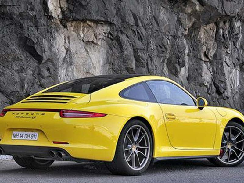 Porsche 911 Carrera 4S review, test drive