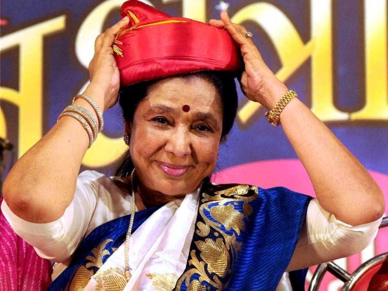 Playback singer Asha Bhosle after being felicitated at a function in Mumbai on Sunday night. (PTI Photo)
