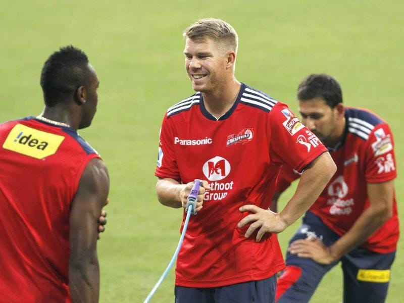 Delhi Daredevils player David Warner and others during a net practice session for the sixth edition of IPL at Eden Gardens, Kolkata. HT/Ashok Nath Dey