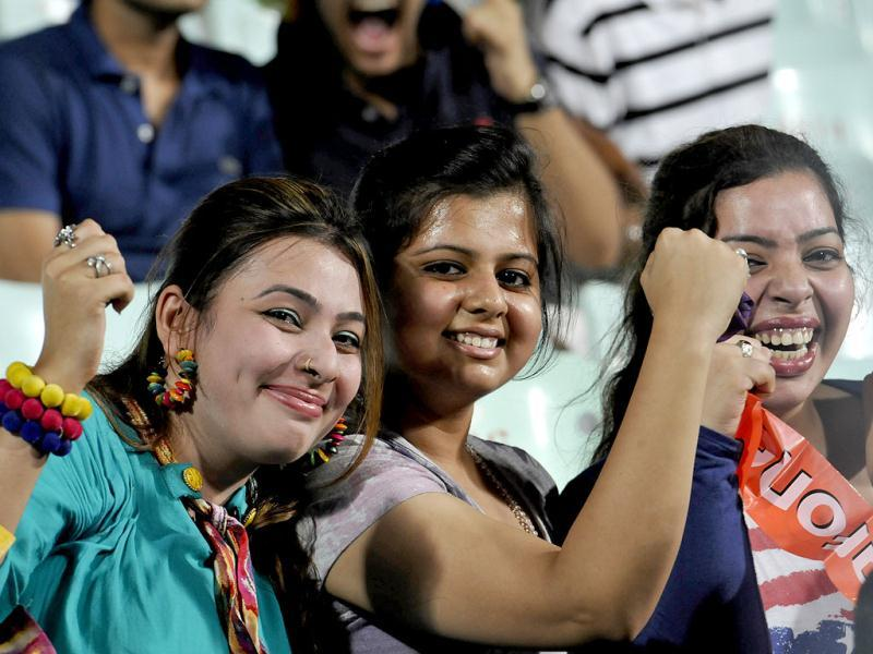 Spectators at Eden Gardens, in Kolkata to attend the 1st Twenty20 Cricket Match of IPL 2013 Season, between Kolkata Knight Riders and Delhi Daredevils. (HT Photo/Subhendu Ghosh)