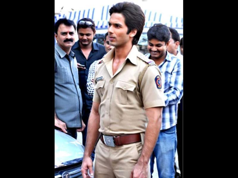 Shahid Kapoor dons a police uniform for his upcoming comedy Phata Poster Nikla Hero.