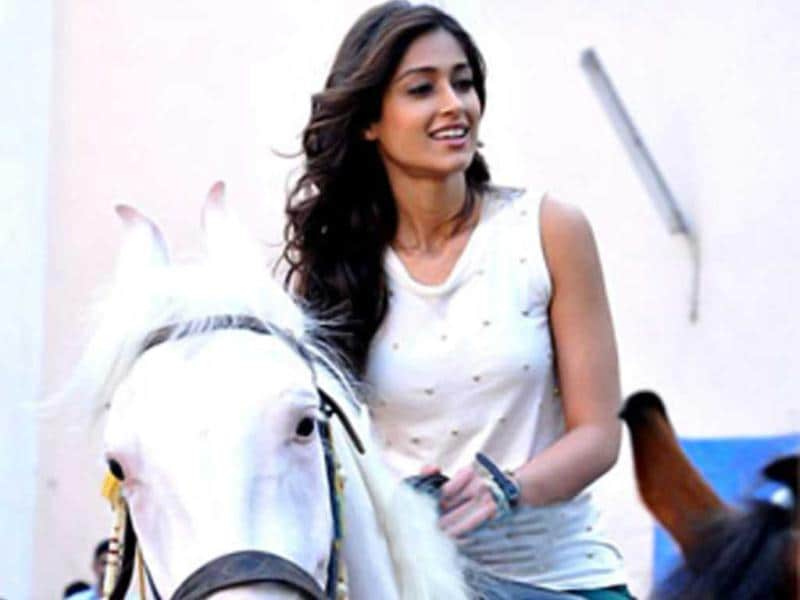 Ileana D'Cruz spotted riding a horse as she shoots for Phata Poster Nikla Hero opposite Shahid Kapoor.