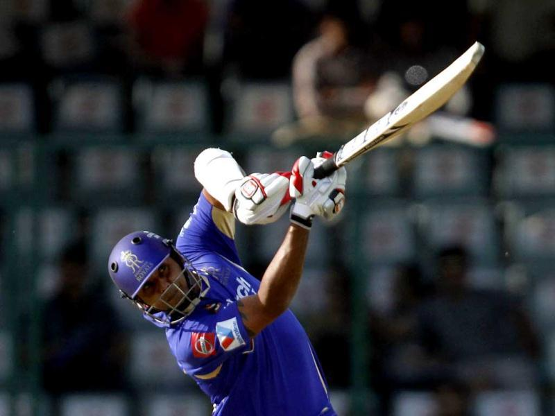 Rajasthan Royals' batsman Stuart Binny plays a shot during the IPL match against Delhi Daredevils in New Delhi. (HT Photo/Sanjeev Verma)