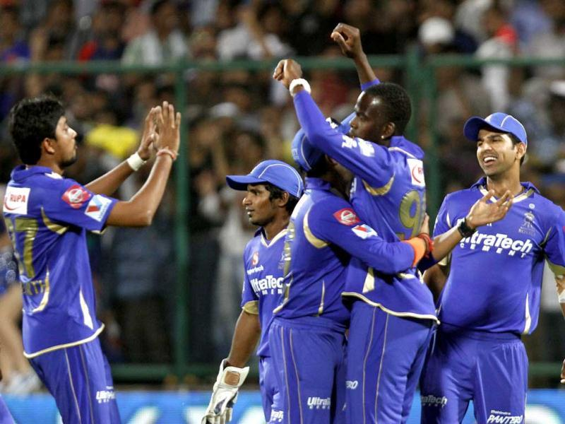 Rajasthan Royals players celebrate their victory against Delhi Daredevils during IPL T20 cricket match at Ferozshah Kotla Ground, New Delhi. (HT Photo/Sanjeev Verma)