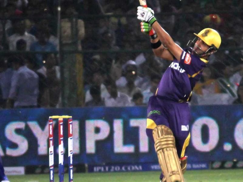 KKR Captain G Gambhir in action during the IPL6 match against the Rajashthan Royals in Jaipur. UNI Photo