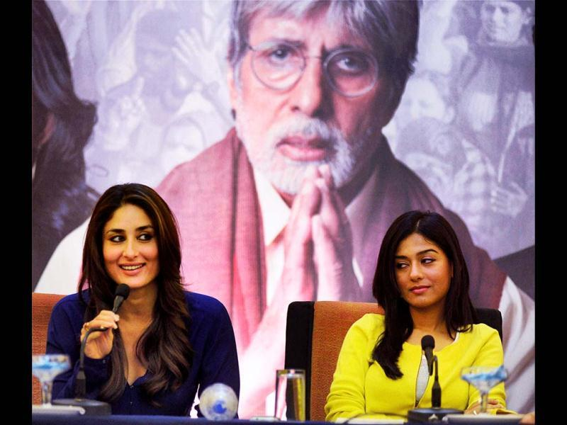 Bollywood actors Amitabh Bachchan, Kareena Kapoor and Amrita Rao were at a press conference for Satyagraha in Bhopal on Tuesday. The actors shared their roles in the films. Kareena looked her dazzling self in a blue dress. Take a look. (PTI Photo)