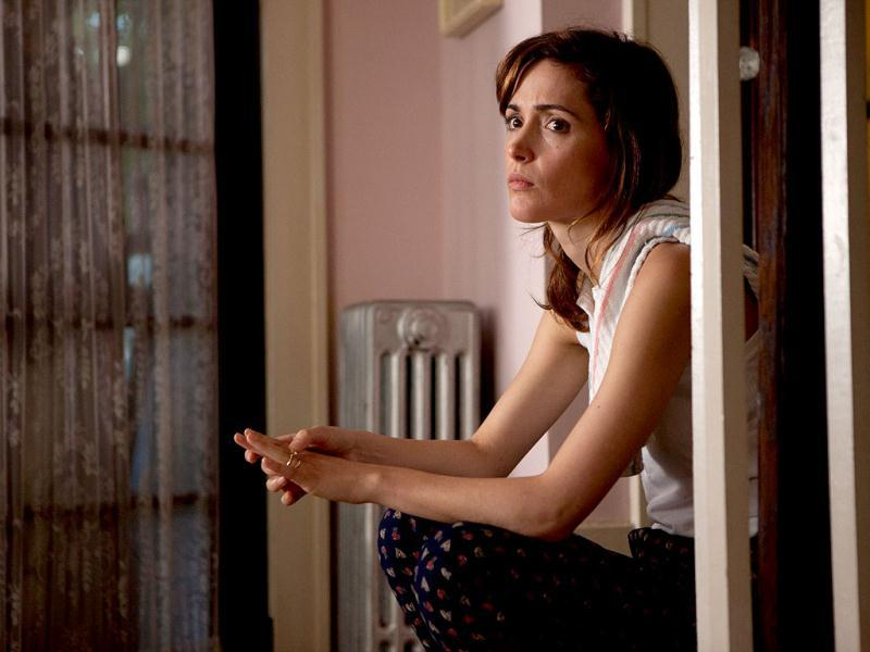 In The Place Beyond the Pines, Rose Byrne plays Avery Cross's wife Jennifer.