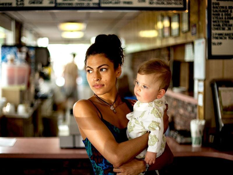 Eva Mendes plays Luke lover's Romina, and the mother to their son.