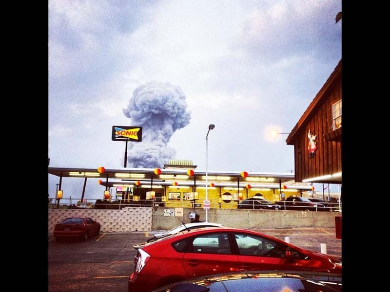 In this Instagram photo provided by Andy Bartee, a plume of smoke rises from a fertilizer plant fire in West, Texas. AP photo