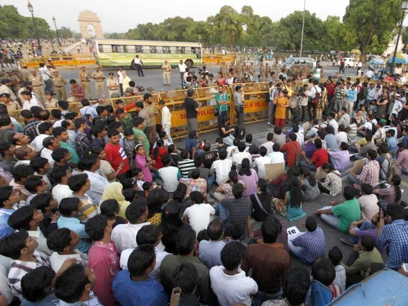 Members of AISA protesting in Rajpath against the the rape of a five-year-old girl in New Delhi. HT/Raj K Raj