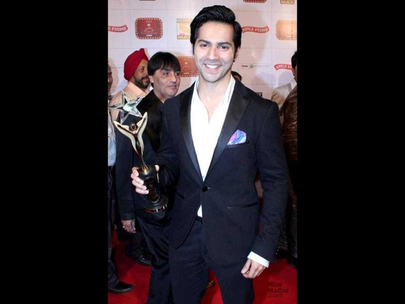 Varun Dhawan won Stardust and Lions Gold Awards for best male debut for his film Student of the Year. (Varun Dhawan/Facebook)