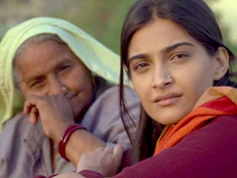 Director Anand L. Rai has captured the essence of Benaras in this trailer of his film Raanjhnaa.