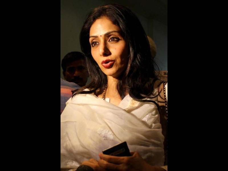 Actress Sridevi Kapoor speaks to media representatives after arriving in Amritsar late April 24, 2013. Sridevi visited the city to pay her respects at the Sikh Shrine The Golden Temple. (AFP Photo)