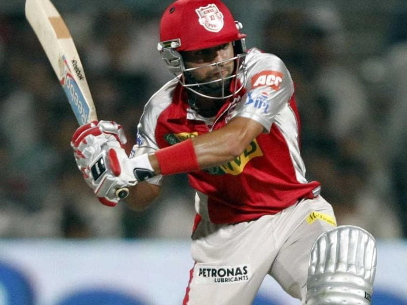 Kings XI Punjab's Manan Vohra in action during the match against Kolkata Knight Riders at Eden Gardens in Kolkata. (Subhendu Ghosh/HT)