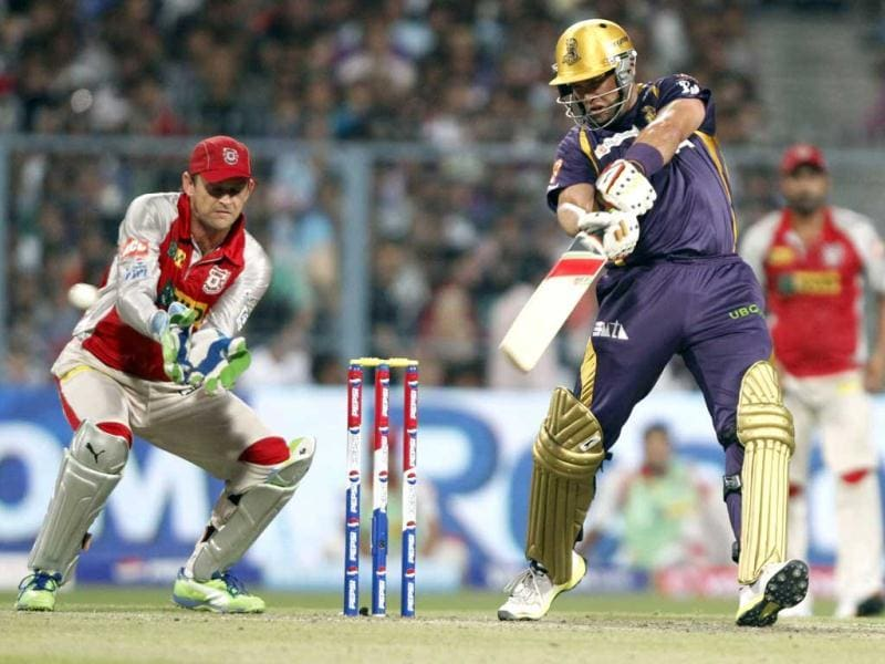 Kolkata Knight Riders' J Kallis in action during the match against Kings XI Punjab at Eden Gardens in Kolkata. (Subhendu Ghosh/HT)