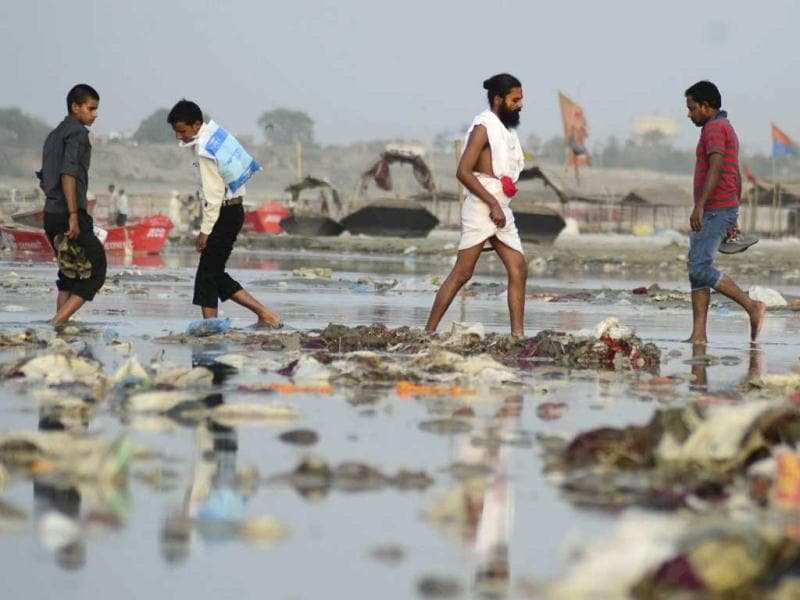Banks of River Ganga filled with garbage at Sangam in after the devotees left the sacred river polluted during the Kumbh Mela festival in Allahabad. (Sheeraz Rizvi/HT)