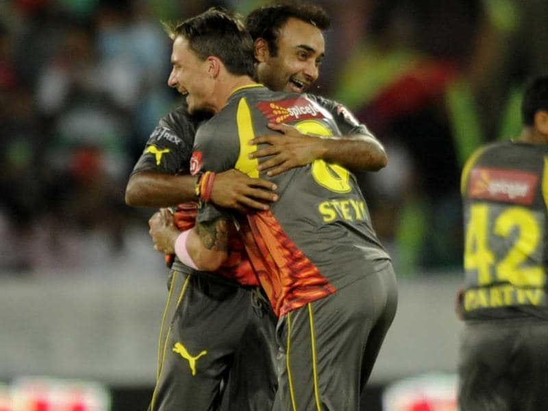 Sunrisers Hyderabad players Dale Steyn and Amit Mishra celebrate the wicket of Delhi Daredevils player Irfan Pathan during the T20 Cricket Match between Sunrisers Hyderabad and Delhi Daredevils at Rajiv Gandhi International Stadium, in Hyderabad. HT Photo/Kunal Patil