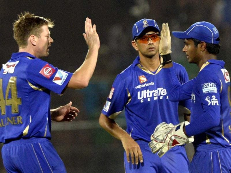 Rajasthan Royals Shane Watson, Rahul Dravid and Samson celebrate the wicket of Pune Warriors India batsman Robin Uthappa during the T20 league match at Swai Mansingh Stadium in Jaipur. (Mohd Zakir/HT)