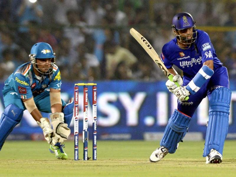 Rajasthan Royals batsman Rahul Dravid in action against Pune Warriors India during the T20 league match at Swai Mansingh Stadium in Jaipur. (Mohd Zakir/HT)
