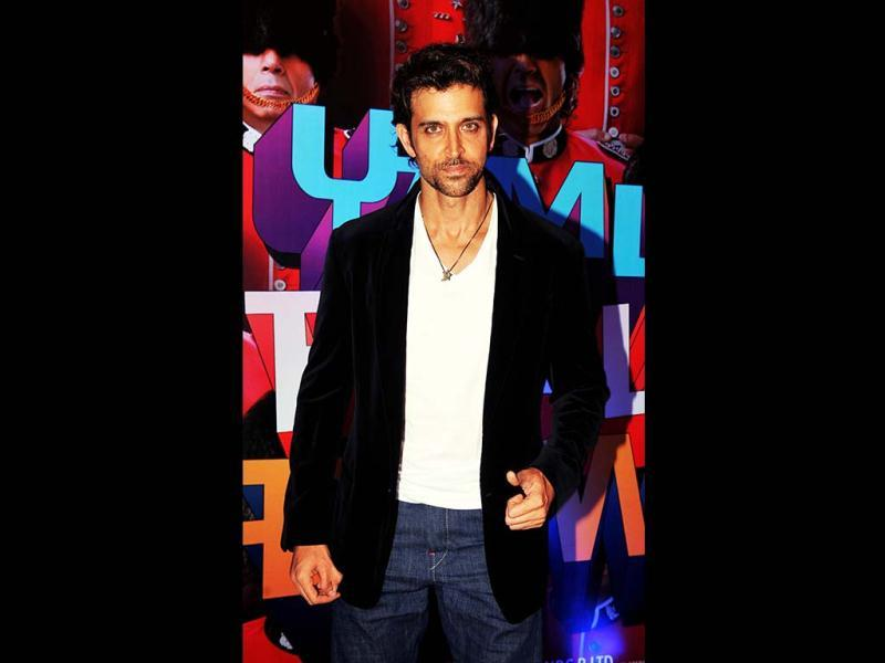 Hrithik Roshan looks hot as usual as he attends the music launch of Yamla Pagla Deewana 2. (AFP Photo)