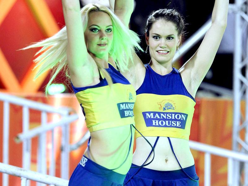 Chennai Super Kings cheerleaders in action during T20 cricket match against Sunrise Hyderabad in Hyderabad. HT Photo/Anshuman Poyrekar