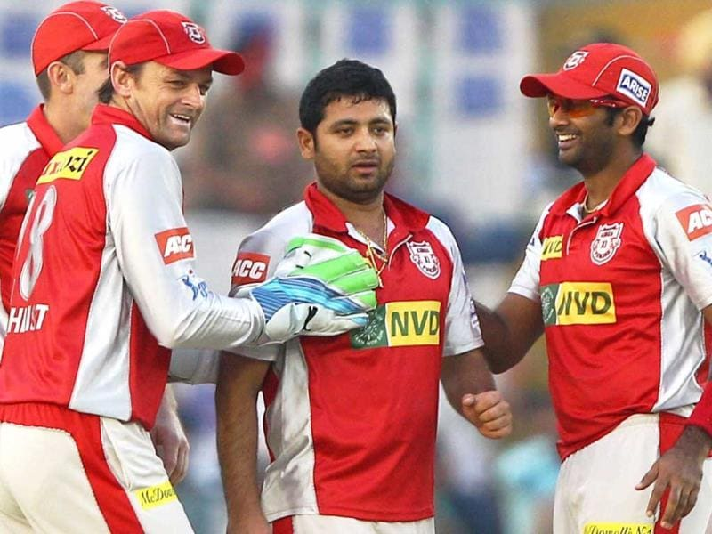 Kings XI Punjab bowler Piyush Chawla and teammates celebrates the wicket of Rajasthan Royals' batsman Shane Watson during their Indian T20 match in Mohali. (PTI)