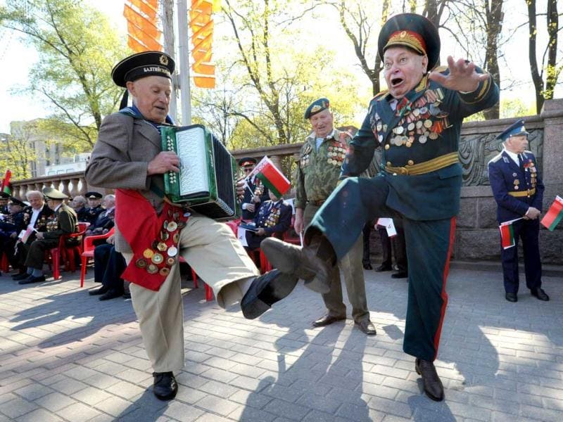 Belarus World War II veterans dance during Victory Day celebration in Minsk. AFP PHOTO