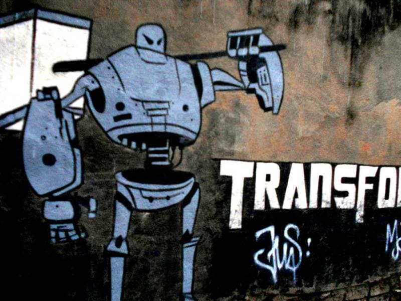 'Transform' graffiti with tag. (Kolkata)