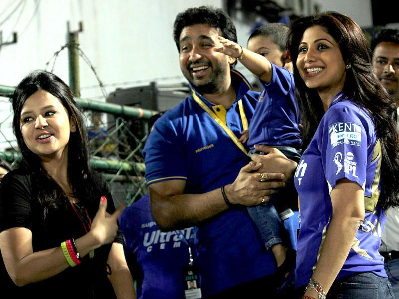 MS Dhoni's wife Sakshi Dhoni with Rajastyhan Royals' co-owner Shilpa Shetty and her husband and son Viaan during During the T20 League match between Rajasthan and Chennai. (PTI Photo)