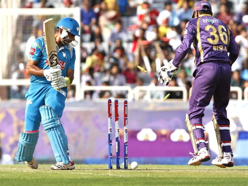 Robin Uthappa of Pune Warriors (PW) in action during their T20 League match against Kolkata Knight Riders at JSCA International Cricket Stadium, Ranchi. (HT Photo/Ashok Nath Dey).