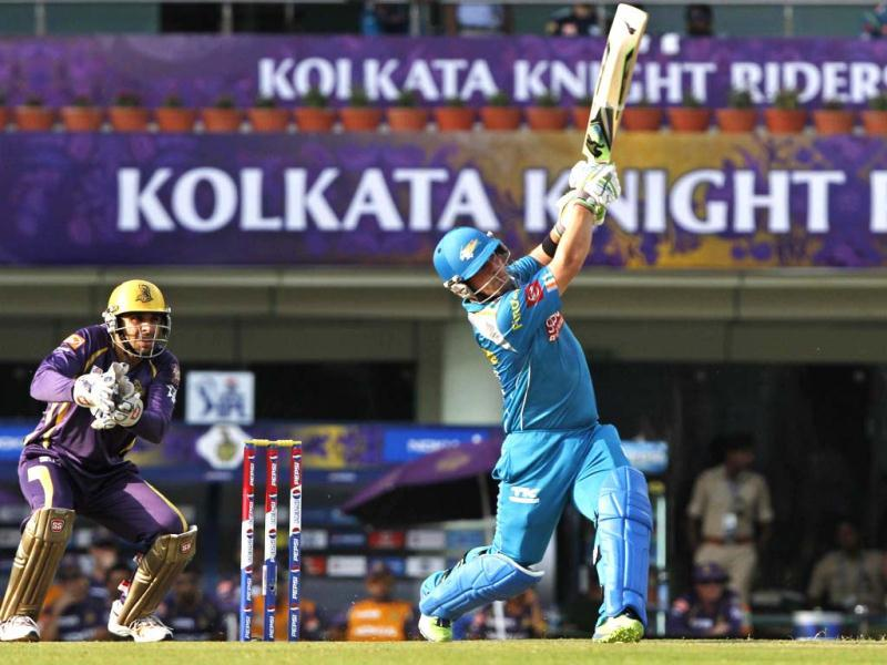 Aaron Finch of Pune Warriors (PW) In action during their T20 League match against Kolkata Knight Riders at JSCA International Cricket Stadium, Ranchi . (HT Photo/Ashok Nath Dey)