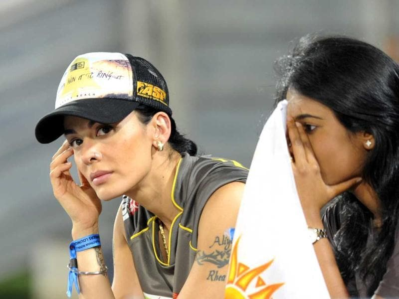 Sunrisers Hyderabad's player Shikhar Dhawan's wife during a T20 match against Rajastan Royals at the Rajiv Gandhi Cricket Stadium, in Hyderabad. (Satish Bate/HT)