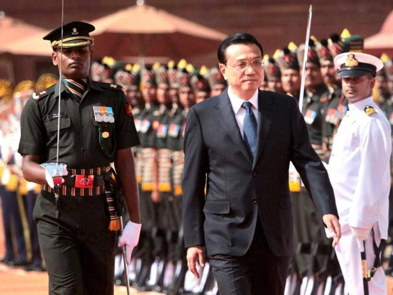Chinese Premier Li Keqiang inspecting a guard of honour during his ceremonial welcome at Rashtrapati Bhavan in New Delhi. PTI Photo
