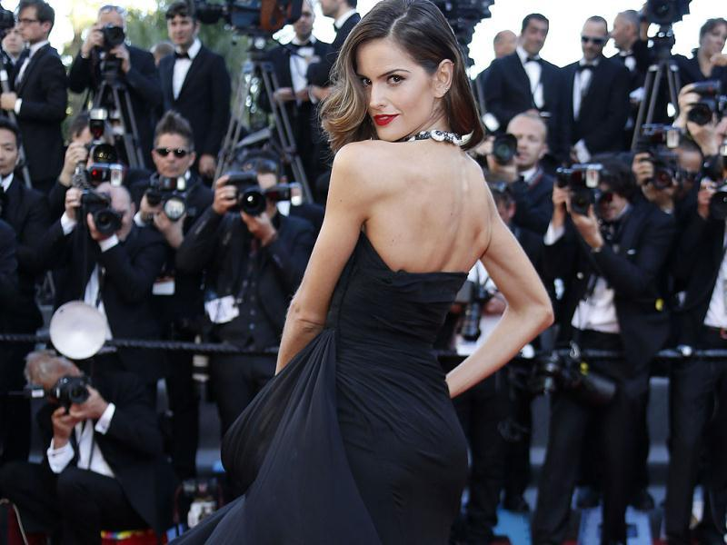 Izabel Goulart. Our favourite swish on the carpet!
