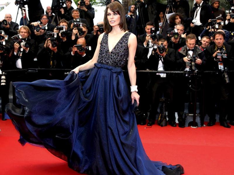Mila Jovovich does blue right