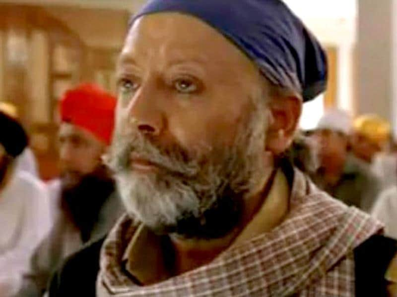 Sidhu, the actor in movie Halla Bol (2008), is almost the passionate actor that Pankaj Kapoor is.
