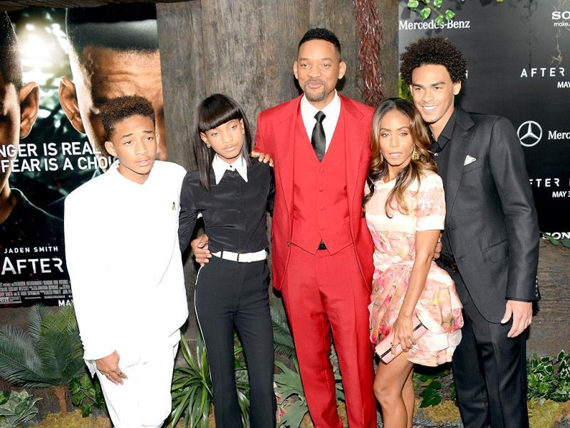 (L-R) Jaden Smith, Willow Smith, Will Smith, Jada Pinkett Smith and Trey Smith attend the
