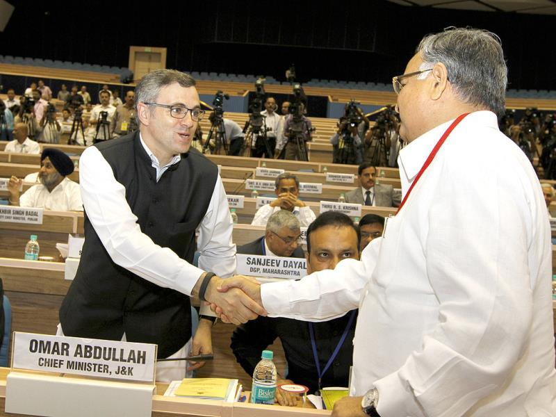J&K chief minister Omar Abdullah with chief minister of Chhattisgarh Raman Singh during chief ministers' conference on internal security at Vigyan Bhawan in New Delhi. HT Photo/Arvind Yadav