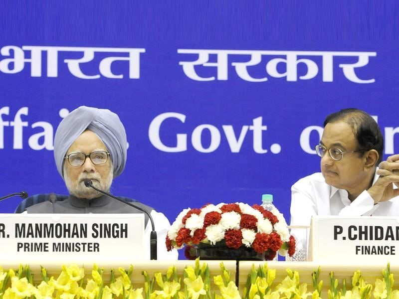 Prime Minister Manmohan Singh and finance minister P Chidambaram during the chief ministers' conference on internal security in New Delhi. HT Photo/Sunil Saxena