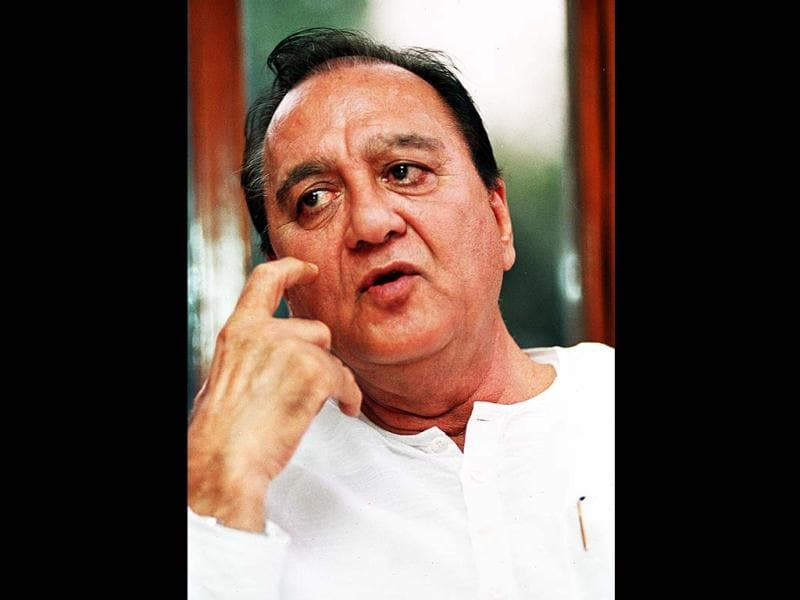 Dutt was one of the major stars of Hindi Cinema in the late 1950s and 1960s and continued to star in many successful films like Sadhna (1958), Sujata (1959), Mujhe Jeene Do (1963), Khandaan (1965) and Padosan (1967).