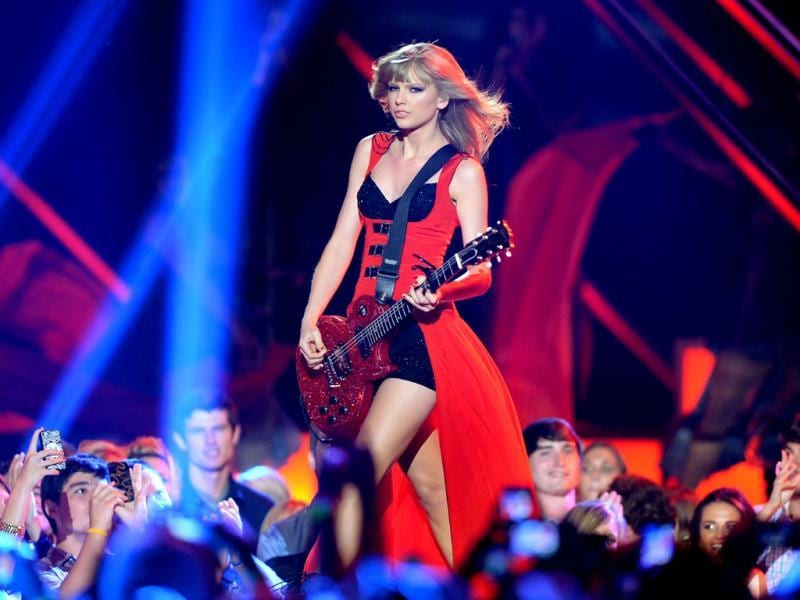 Taylor Swift performs at the 2013 CMT Music Awards at Bridgestone Arena in Nashville, Tenn. (AP Photo)